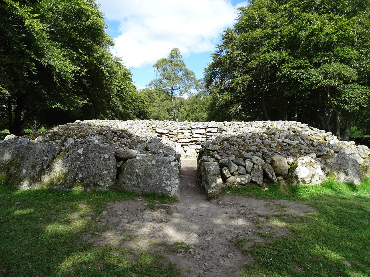 19 The Balnuaran of Clava.jpg