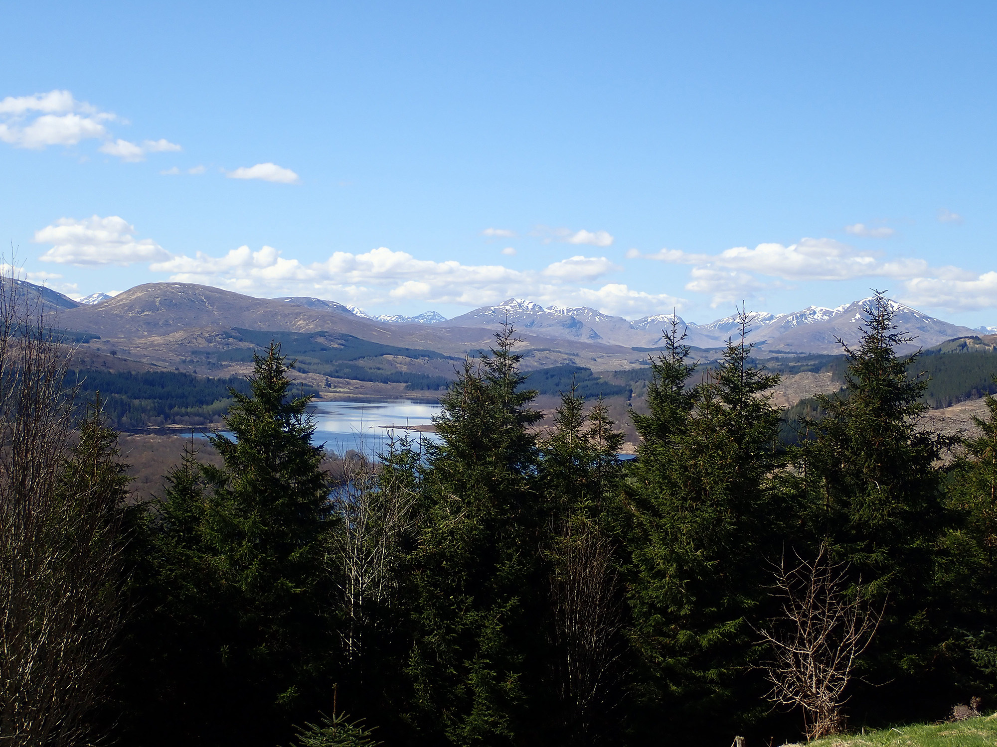 4  Loch Garry, shaped like Scotland.jpg