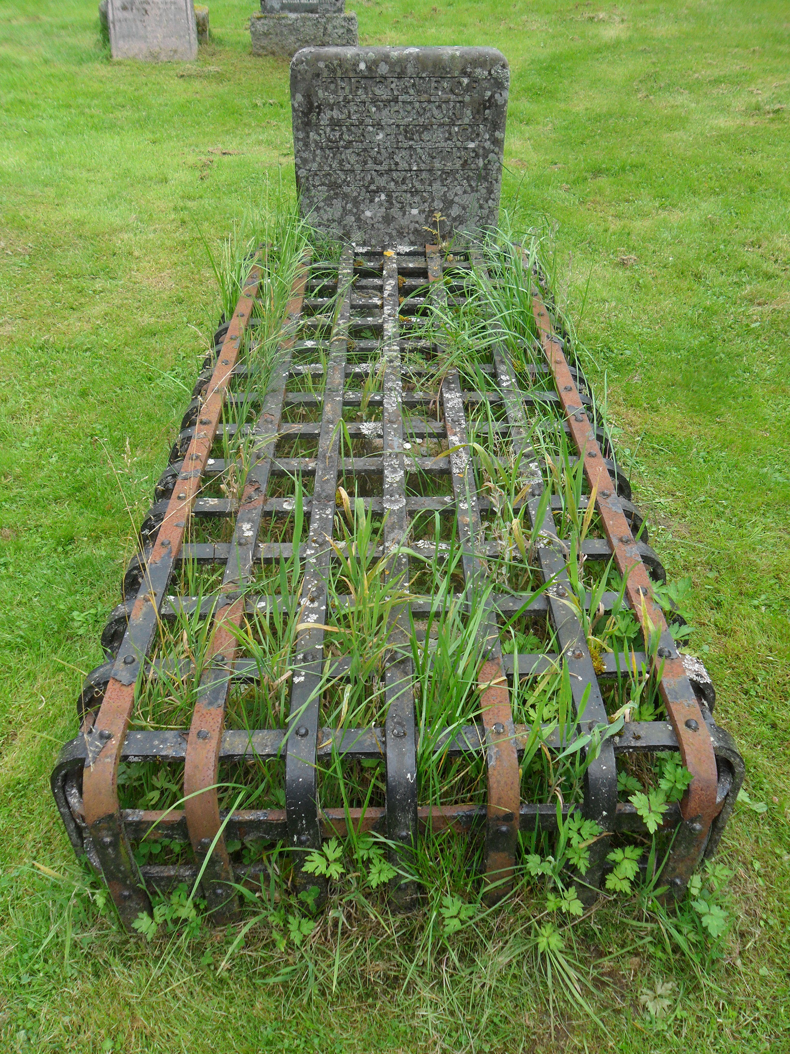 25 with the grave of Shaw Mor.jpg